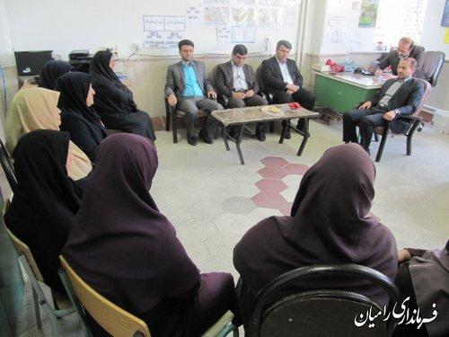 دیدار فرماندار رامیان با معلمان