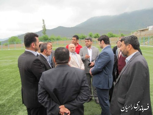 بازدید فرماندار و مدیر کل ورزش و جوانان از زمین چمن مصنوعی رامیان