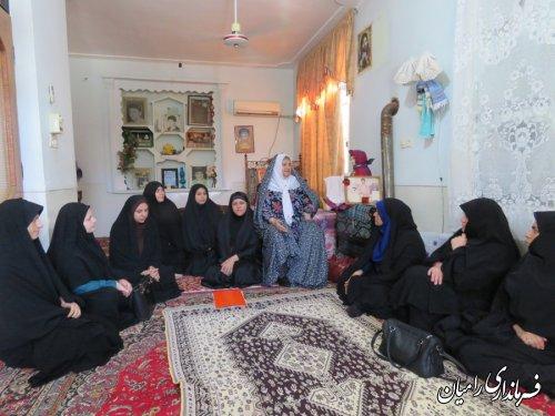دیدار اعضای کمیته بانوان ستاد هفته دولت شهرستان رامیان با مادر معزز شهید