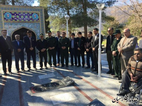 غبار روبی گلزار شهداء شهر رامیان به مناسبت آغاز ایام الله دهه مبارک فجر