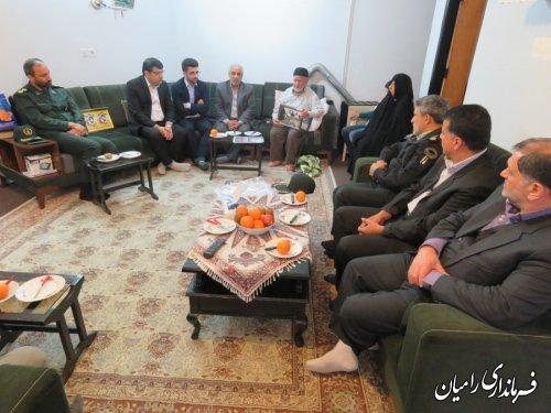 دیدارفرماندار با خانواده شهدای دارای دو شهید والامقام شهرستان رامیان