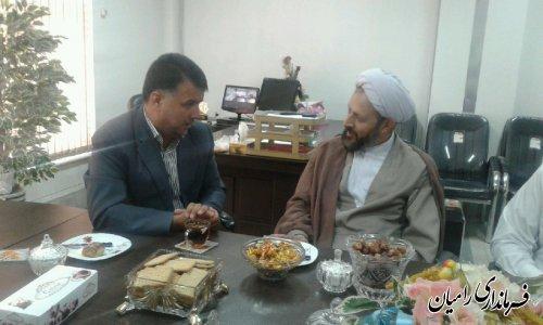 حضورحجت الاسلام والمسلمین حاج آقاکیایی امام جمعه محترم دلنددردفتربخشداری