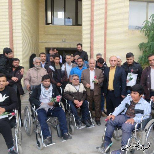 همه باید تلاش نمائیم تا شرایط بهتری برای معلولان مهیا شود و مسیر توسعه ورشد را با هم بپیمائیم
