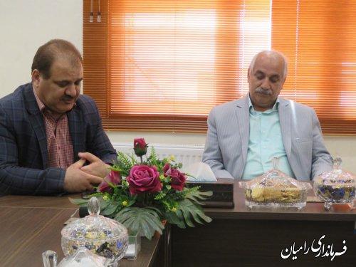 دیدار فرماندار رامیان با جمعی از معلمان نمونه شهرستان رامیان