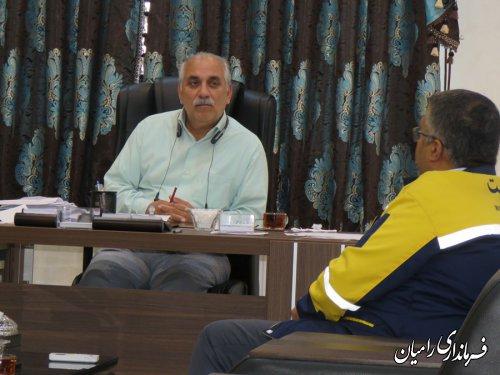 رئیس و کارکنان اداره پست شهرستان رامیان به مناسبت روز جهانی پست با فرماندار رامیان دیدار کردند