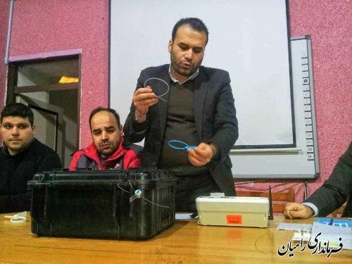 کارگاه آموزشی آشنایی با دستگاه احراز هویت در محل کانون نعیم برگزار شد