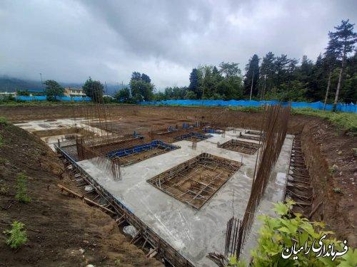 بازدید فرماندار و رییس شبکه بهداشت و درمان شهرستان از پروژه احداث بیمارستان 91 تختخوابی شهدای رامیان